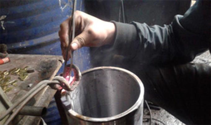 水钻头焊接机